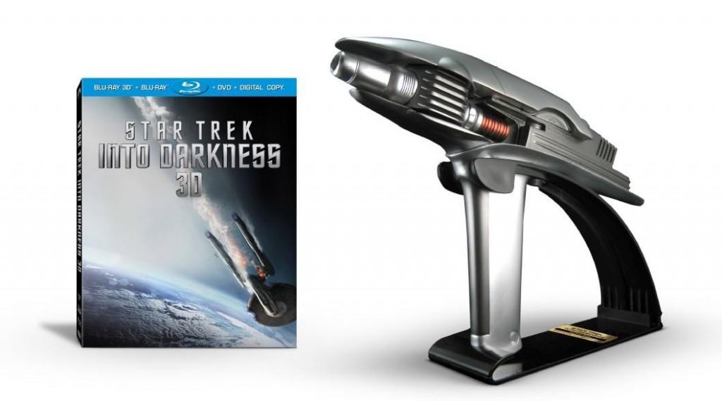 Starfleet-Phaser-Star-Trek-Into-Darkness-3d-blu-ray-combo-pack-4