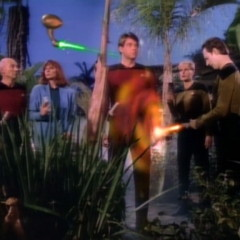 The Arsenal of Freedom, TNG S1 E21 Review, The Battle Bridge