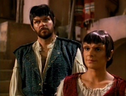 Riker_and_Troi_as_Mintakans