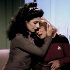 The Loss, TNG S4 E10 Review, The Battle Bridge
