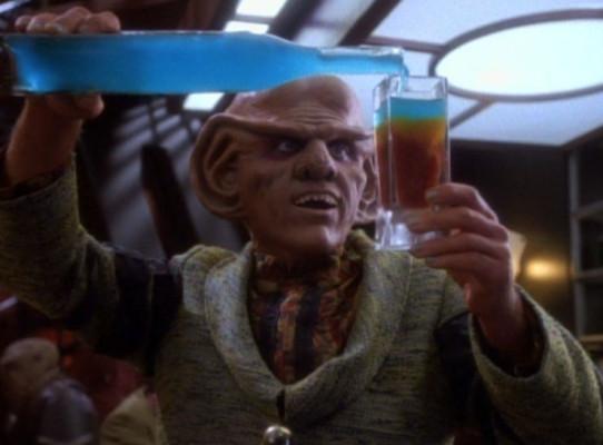 Quark serves at bar 1