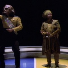 Redemption Part 1, TNG S4 E26 Review, The Battle Bridge