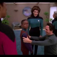 Liaisons, TNG S7 E02 Review, The Battle Bridge